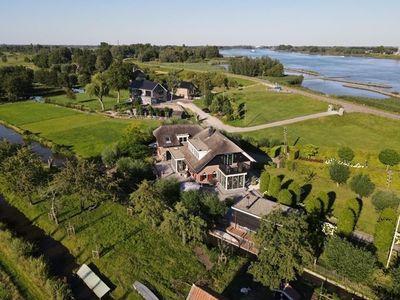Lekdijk-West 127, Bergambacht