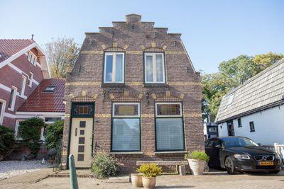 Julianastraat 5, Den Burg