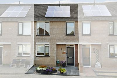 Gebroeders Delhezstraat 13, Steenbergen