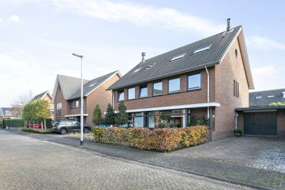 Rustenburgstraat 38, Tilburg
