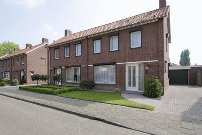 Maasgouwstraat 12, Weert