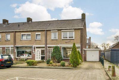 Sambrestraat 1, Heemskerk