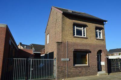 Moutheuvelsweg 47 + 47A, Stein