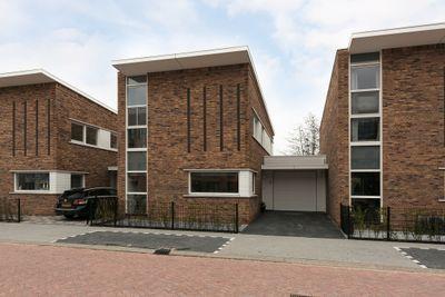 Koninginneweg 80, Lekkerkerk