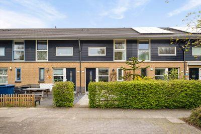 Januaristraat 6, Almere