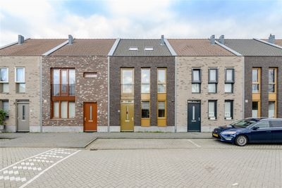 Tiarastraat 48, Almere