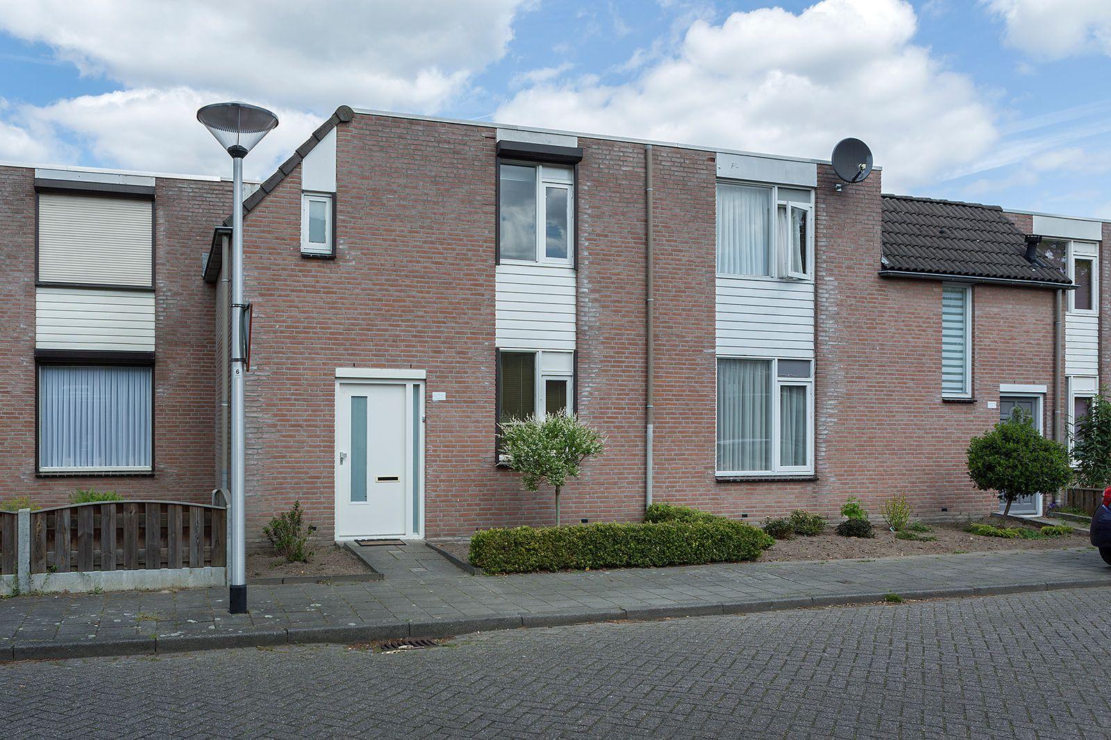 Peelhof 105, Helmond