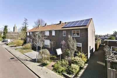 J A Molstraat 2, Kapelle