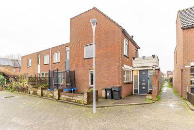 Alholm 32, Hoofddorp
