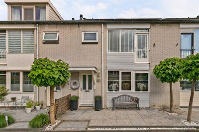 De Gaarden 16, Schiedam