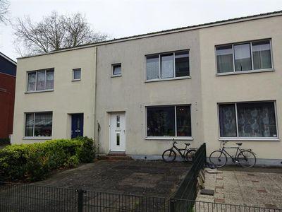 Van Almondestraat 13, Dordrecht