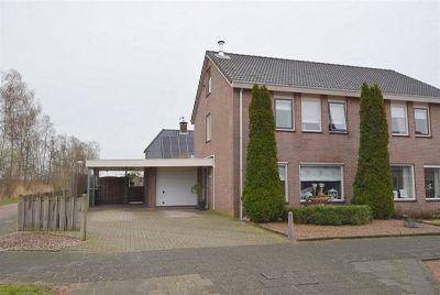 Weth. Vosstraat 73, Wanneperveen