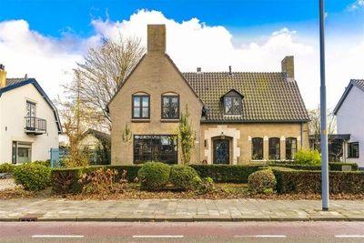 Hoofdweg, Nieuw-Vennep