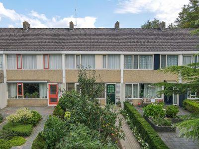 Langhof 6, Surhuisterveen