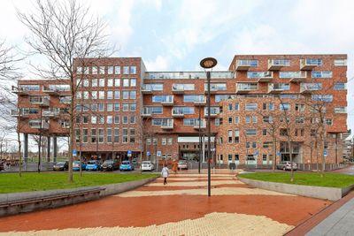 Middeldijkerplein 74, Barendrecht