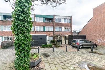 Tamboerlaan 73, Hoogeveen