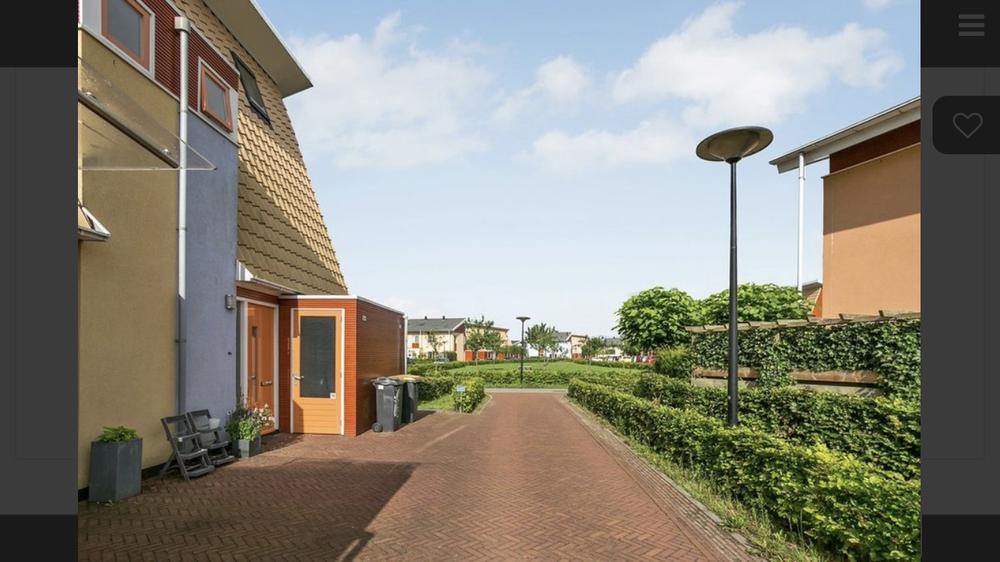 Bé van den Doolstraat, Deventer