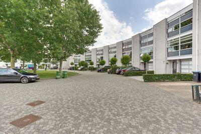 Henri Dunantpark 16, Huizen