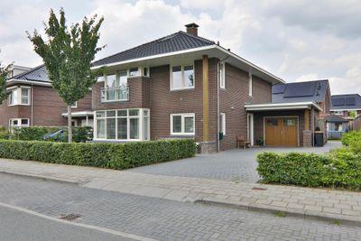 Het Loo 20, Hoogeveen
