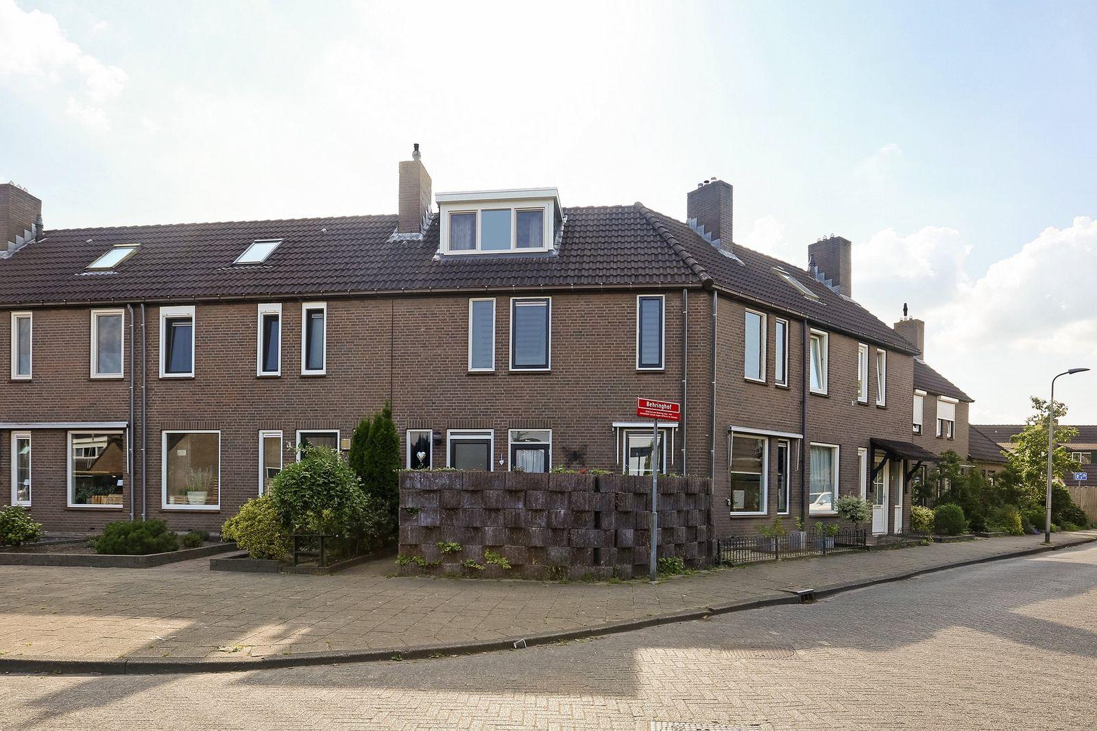 van Leeuwenhoekstraat 2, Hoogeveen