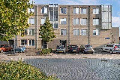 S VAN RAVENSTYEN STRAAT 76, Almere