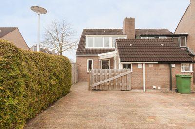 Behringhof 41, Hoogeveen