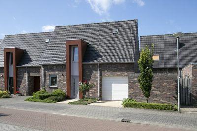Burgemeester Hoeijmakersstraat 5, Stramproy