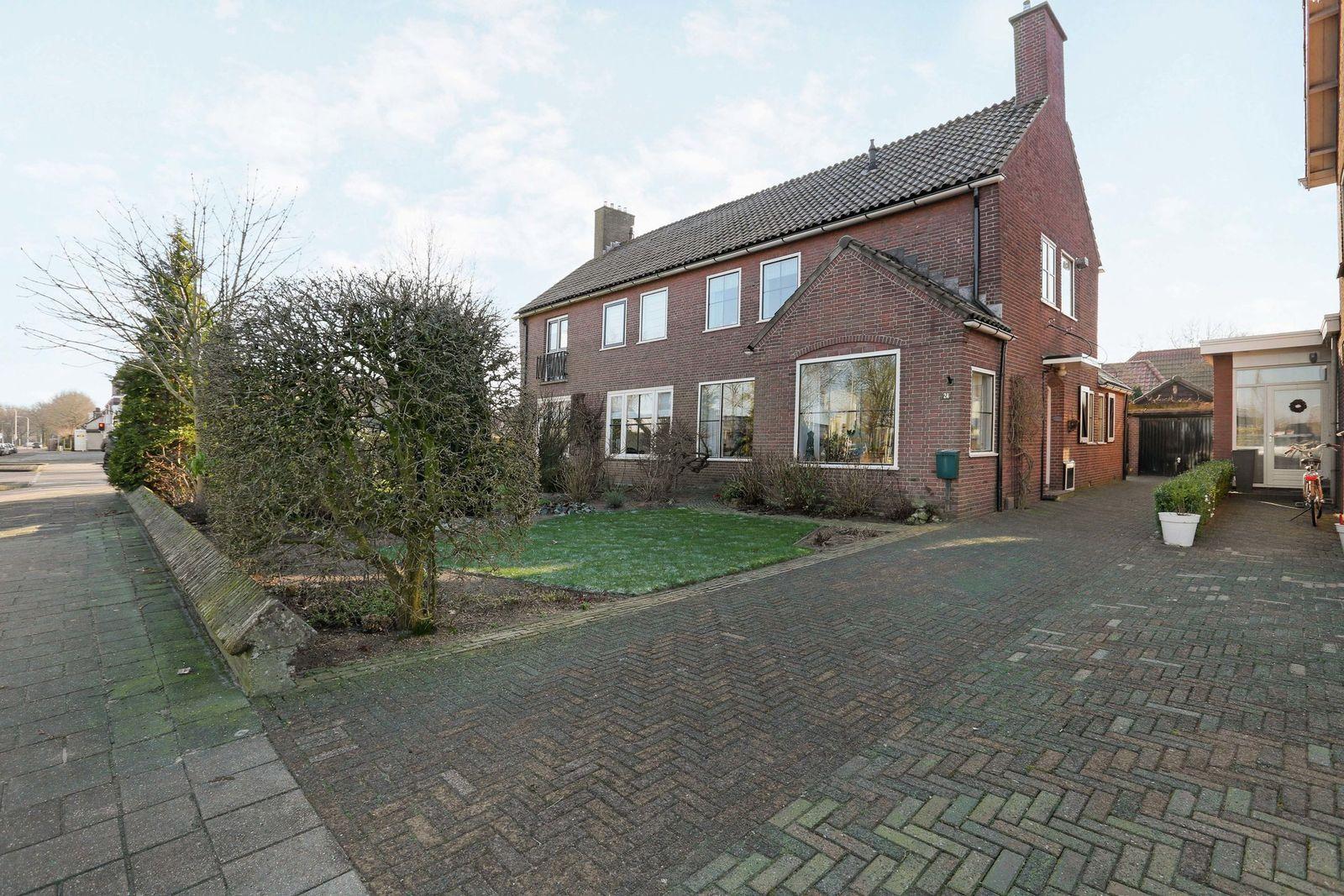 De Vos van Steenwijklaan 24, Hoogeveen