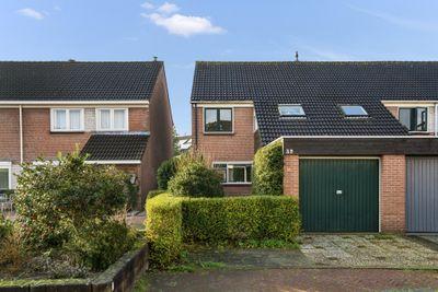 Cannenburg 32, Heemskerk