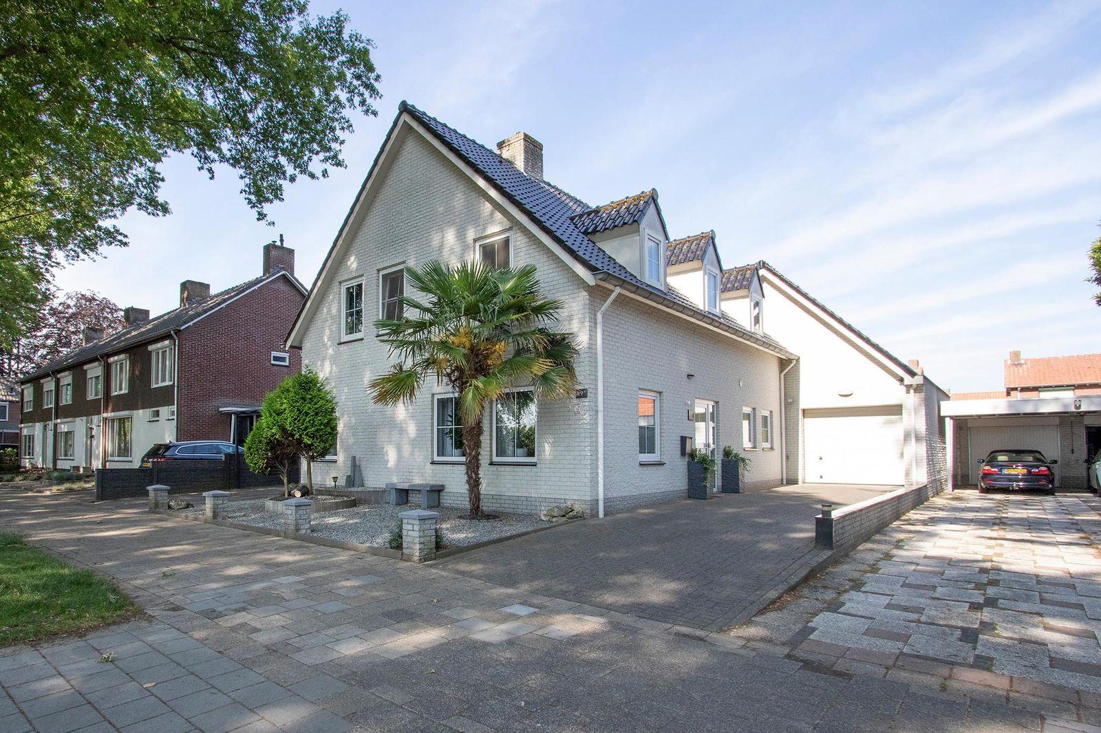 Limburglaan 49-A, Weert