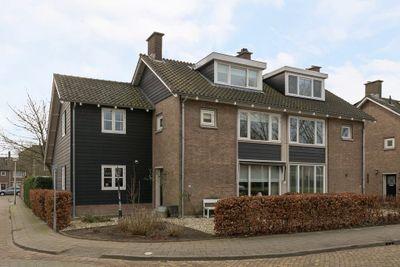Wilhelminasingel 7, Hendrik-ido-ambacht