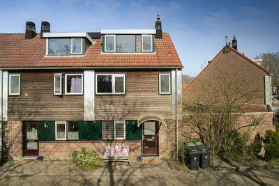 Pauwenveld 8, Zoetermeer