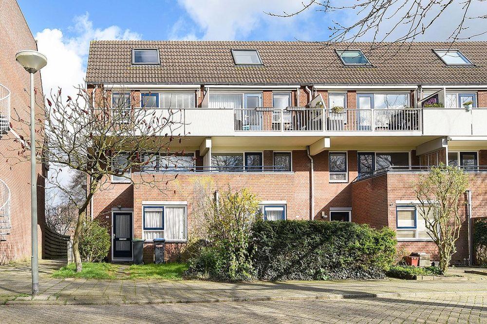 Nicolaas Arie van der Burgsingel 16, Schiedam