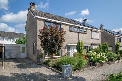 Koetshuisstraat 35, Hellendoorn