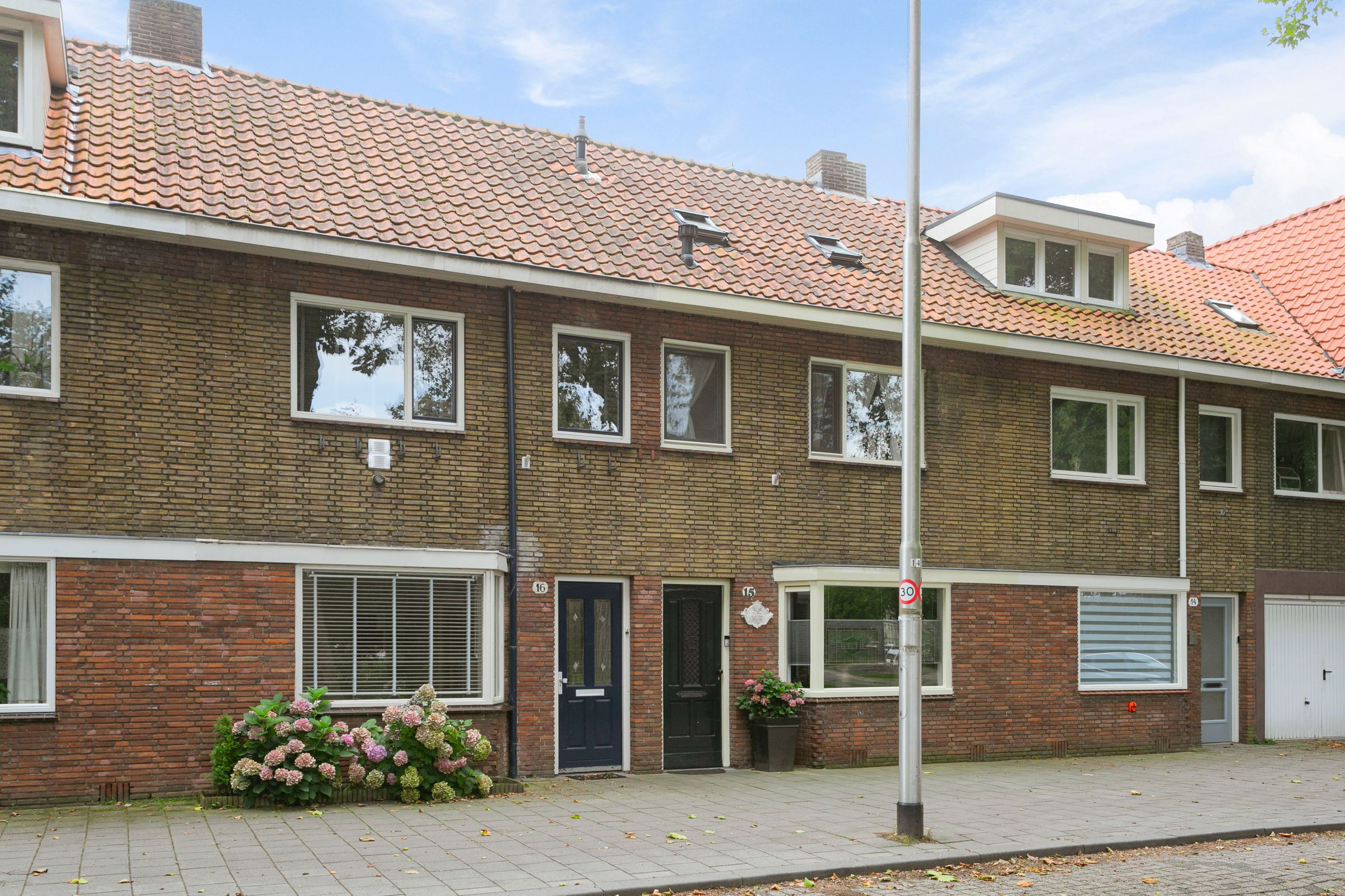 Stuivesantplein 16, Tilburg