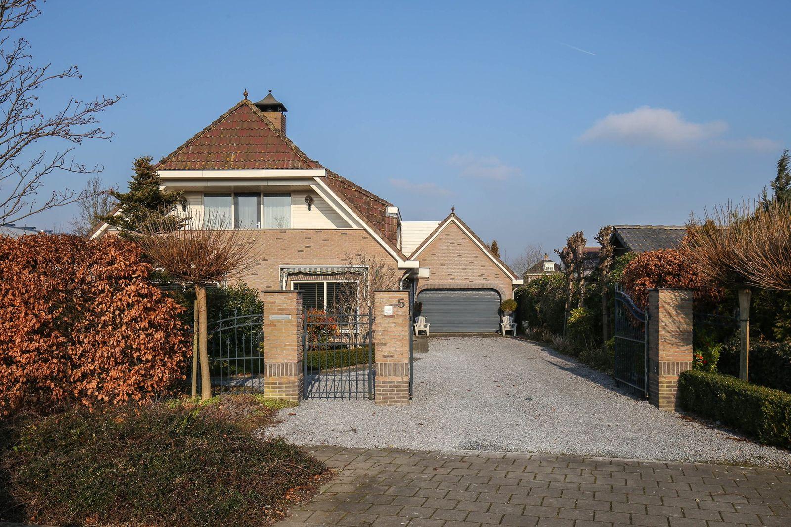 Borggraaf 5, Lelystad