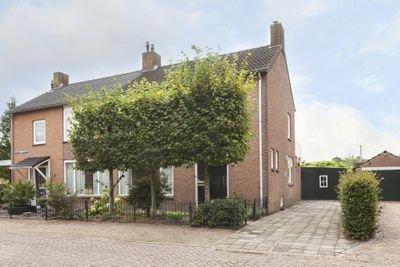 Dokter Landmanstraat 3, Helvoirt