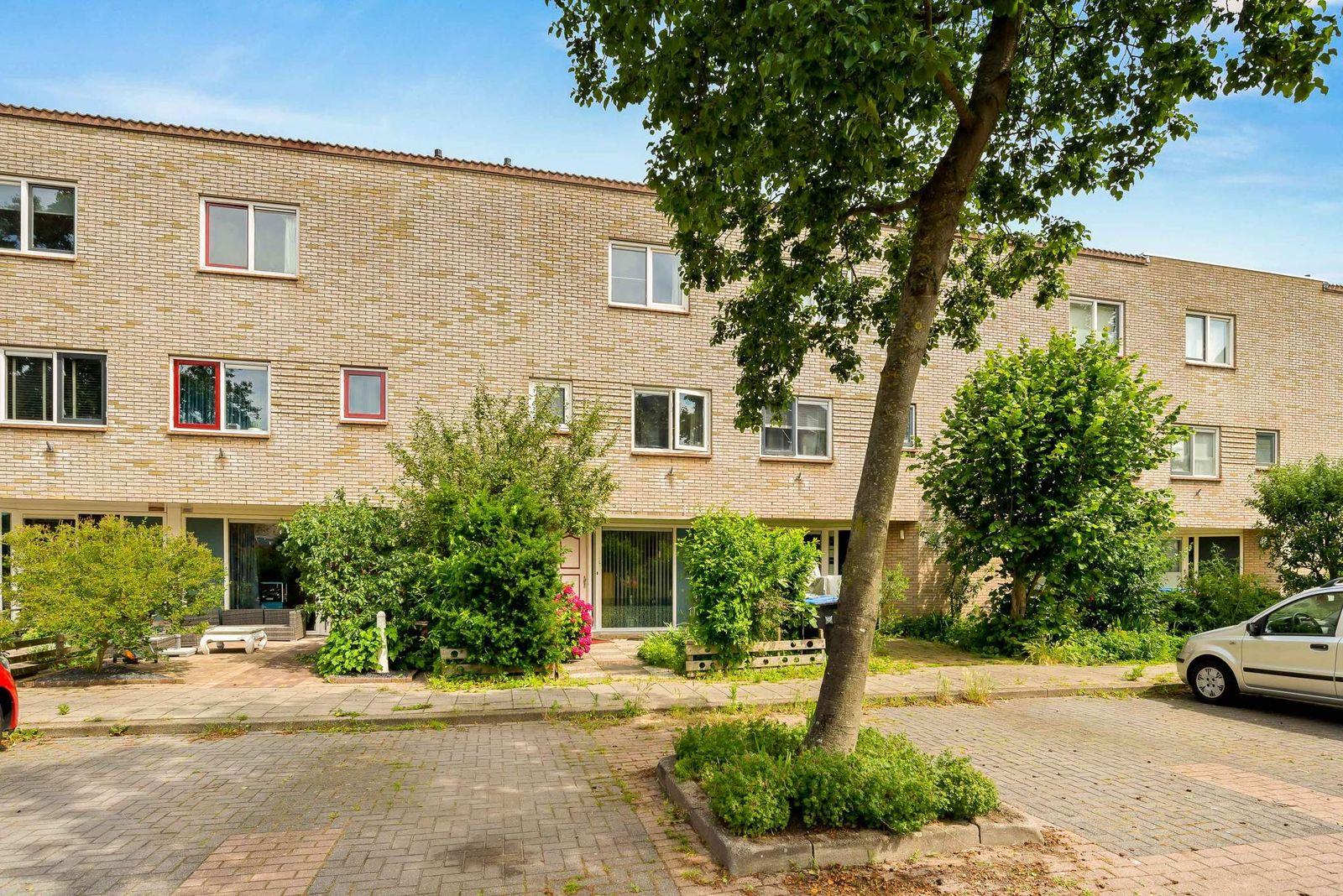 W. Kentstraat 17, Velserbroek
