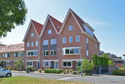 Wayesteinsingel 53, Nieuw-Vennep
