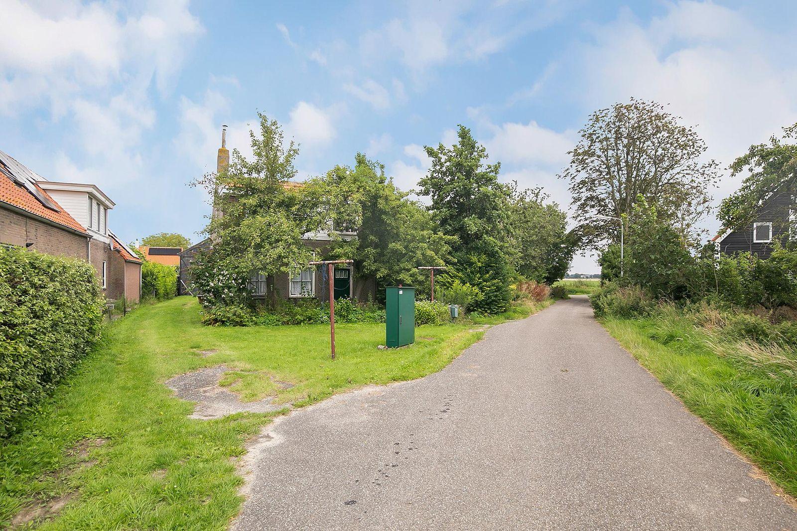 Koekoeksweg 6, Sint-maartensdijk