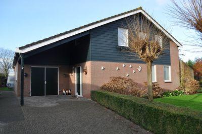 Meeuwenlaan 2, Nieuwerkerk