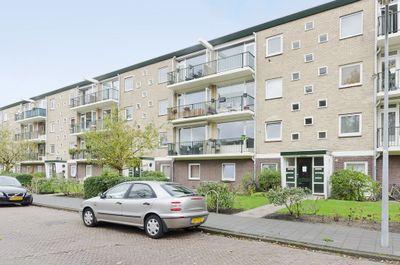 Jacques Perklaan 32hs, Haarlem