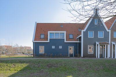 De Krom 233, Volendam