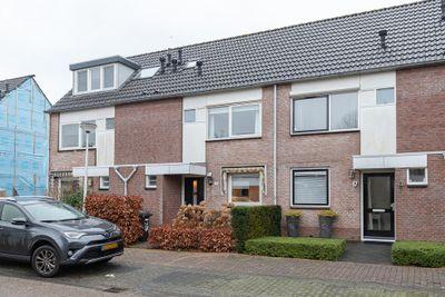 Asterhof 15, Papendrecht