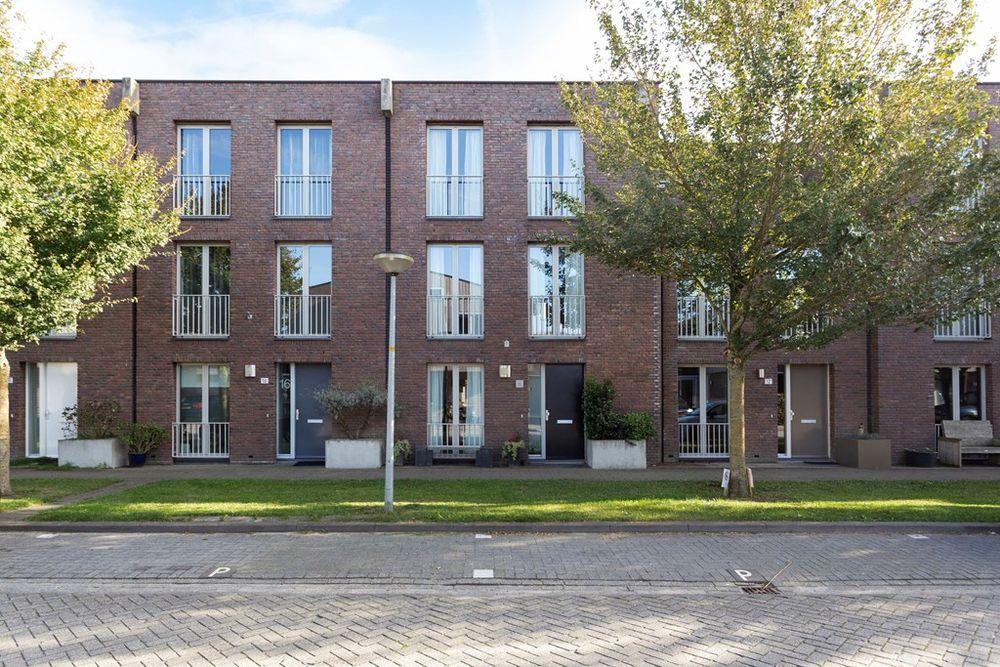 Kiel 14, Almere