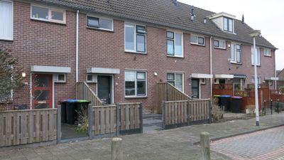 J. Ingenhovenstraat 38, Spijkenisse