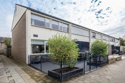 Basstraat 47, Helmond