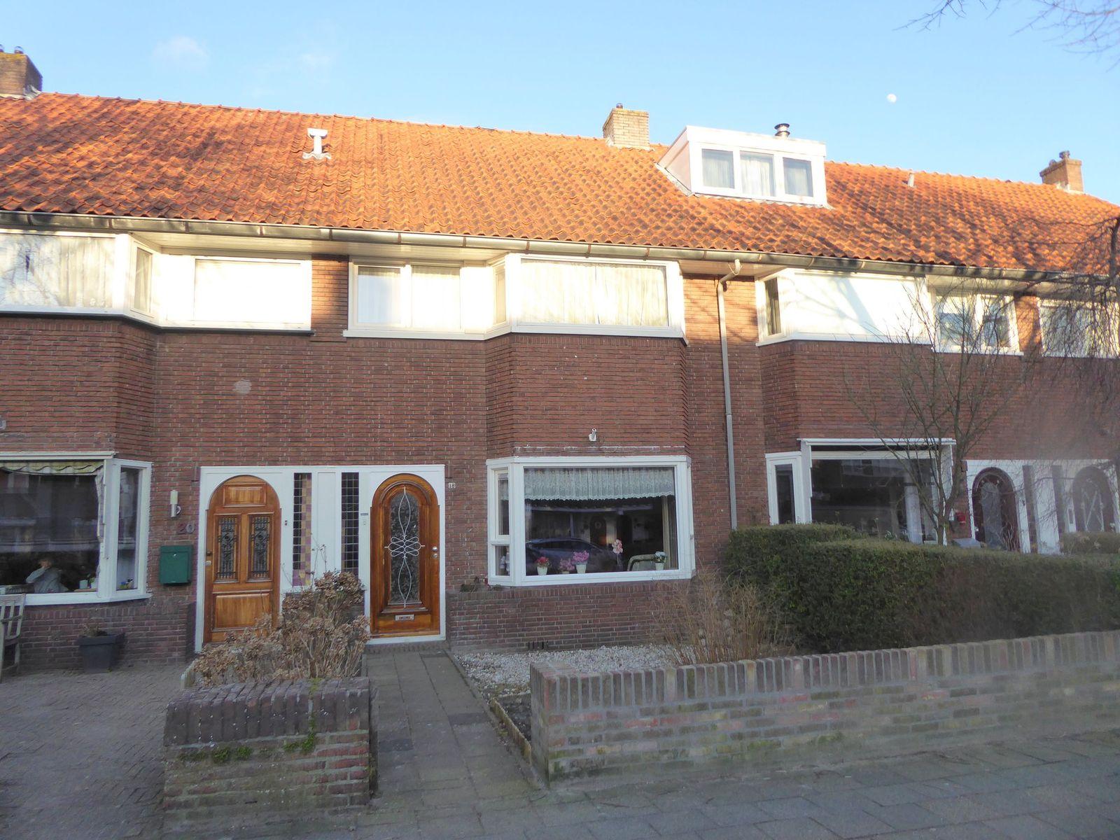 Goudenregenstraat 18, Leeuwarden