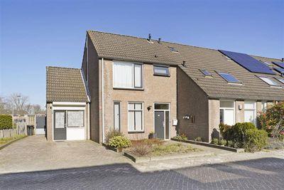 Middelgraaf 102, Tilburg