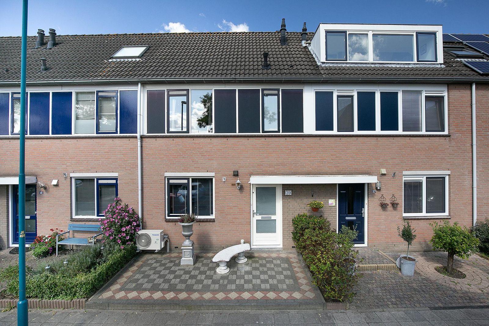 Azuurblauw 39, Zoetermeer